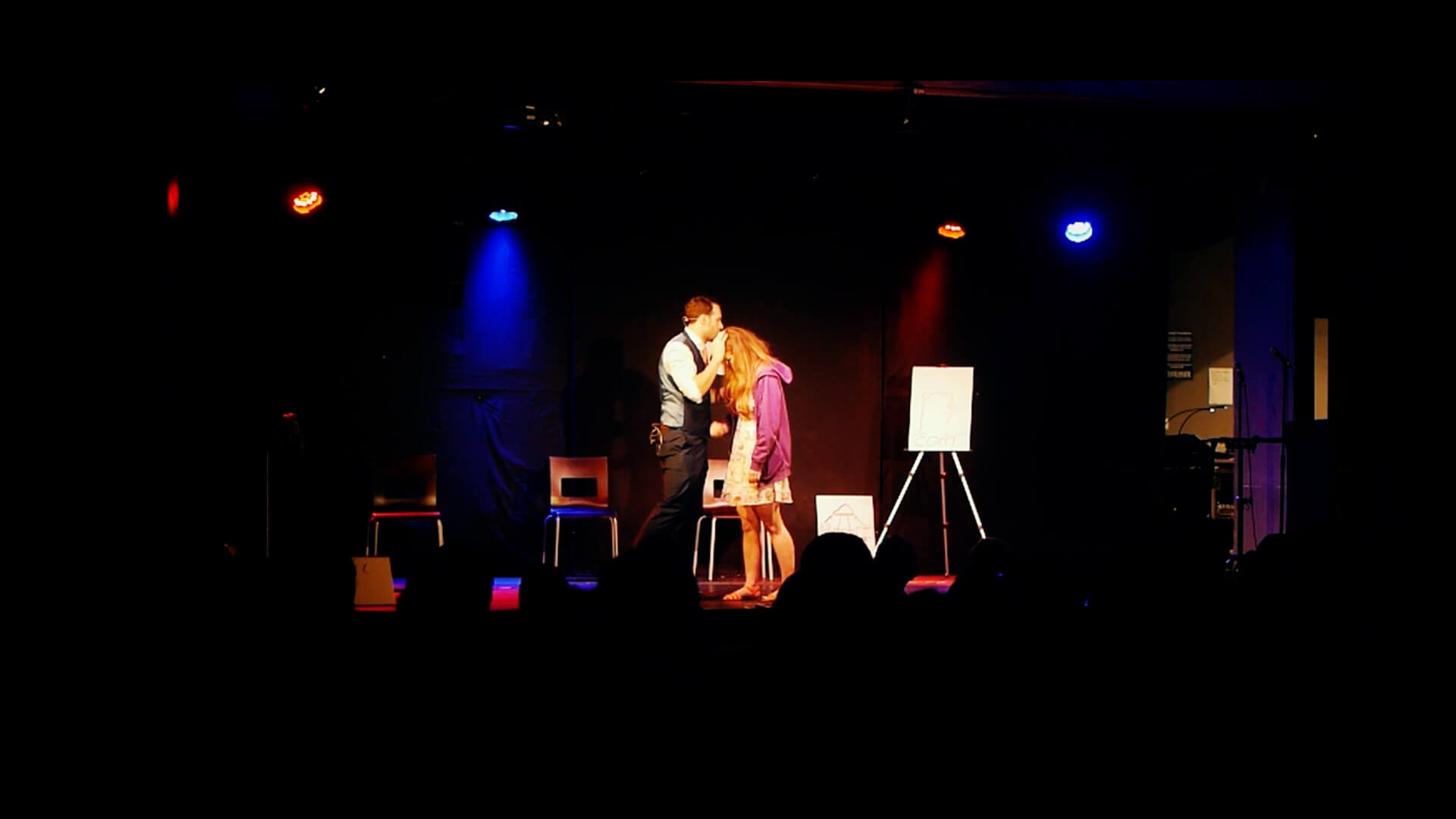 Aaron hypnotising lady on stage at edinburgh fringe magic show