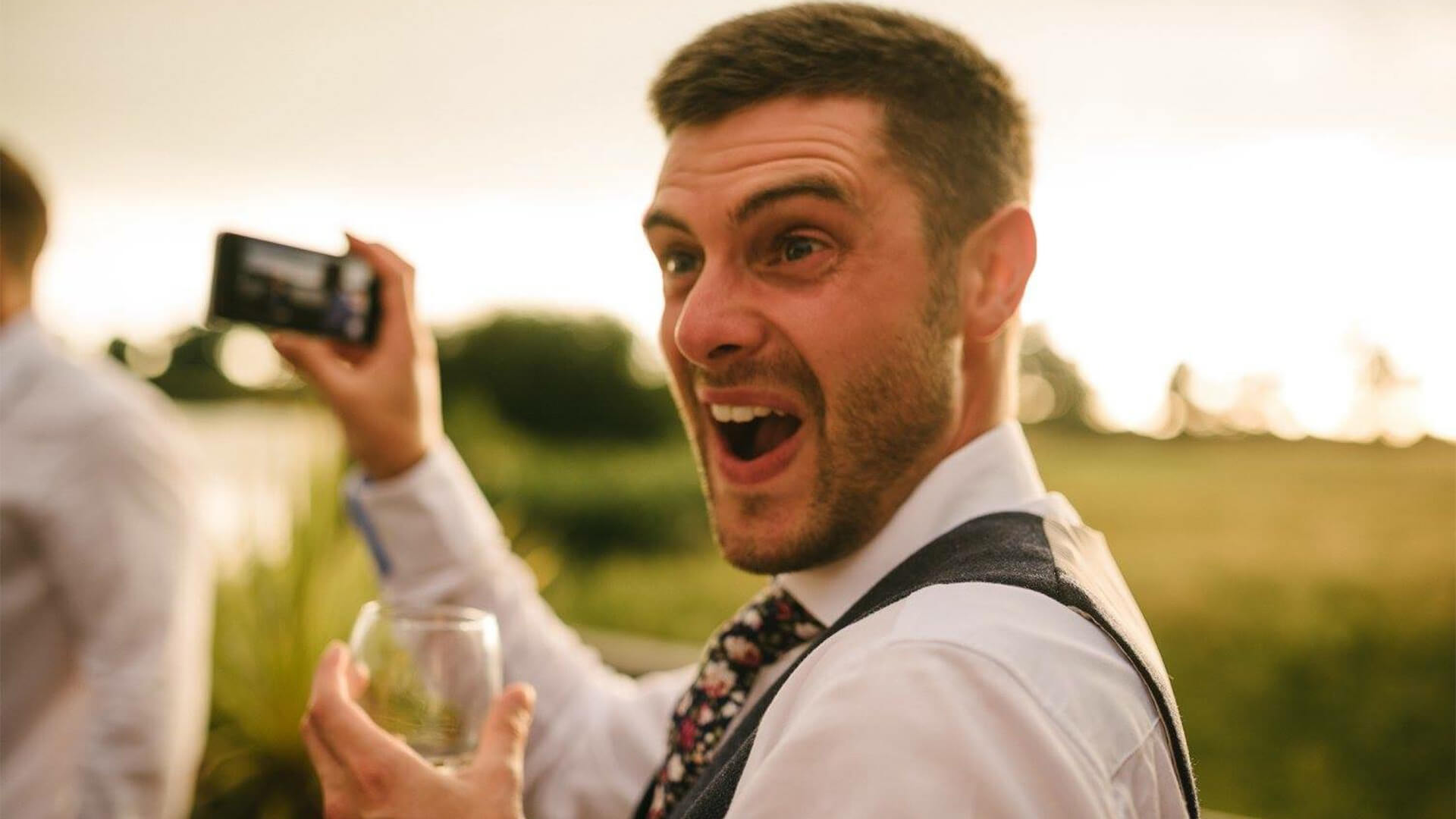 manchester wedding magician aaron calvert makes mans jaw drop to the floor when performing magic