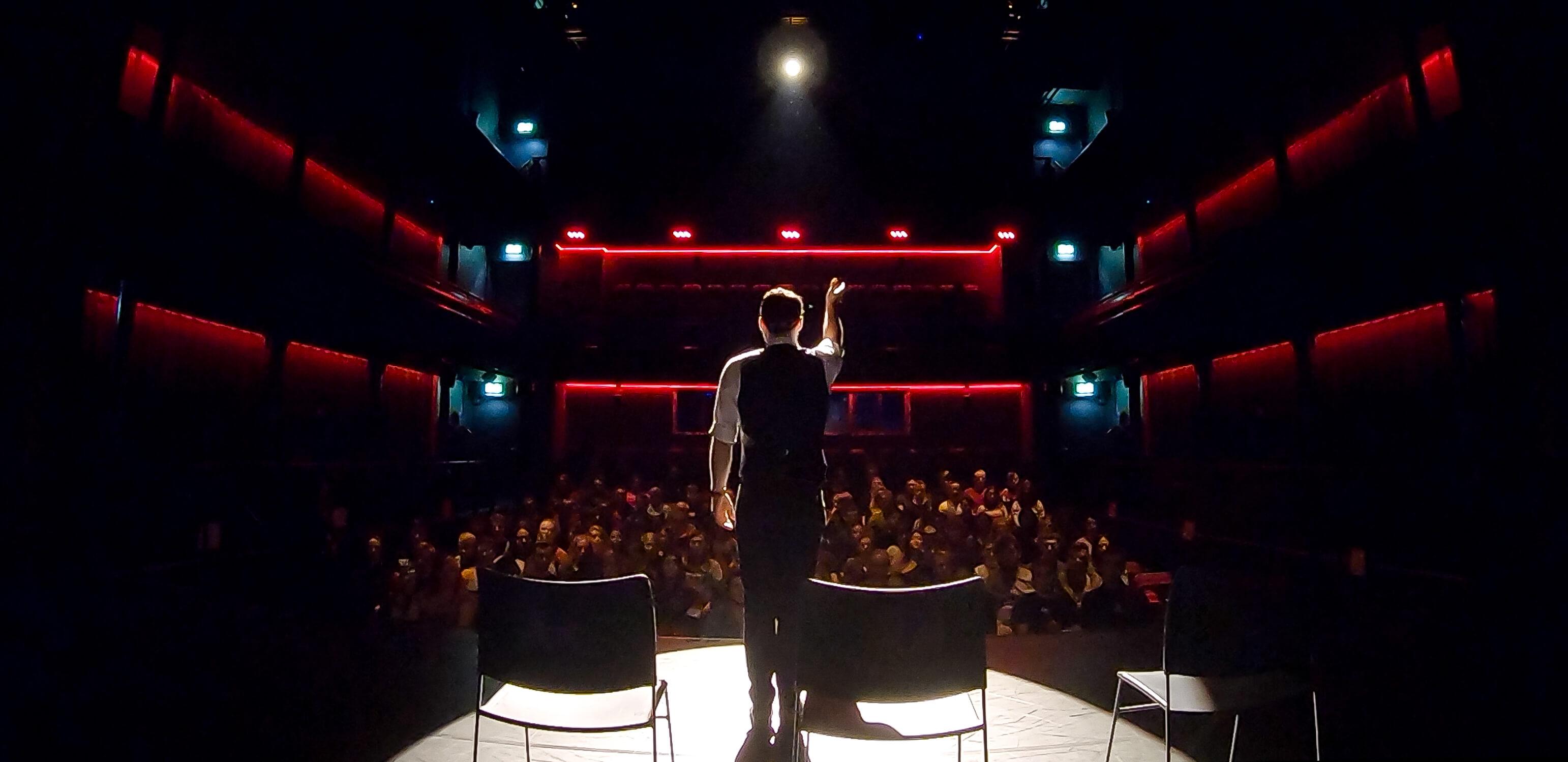 aaron calvert manchester mind reader and hypnotist on stage in 2020
